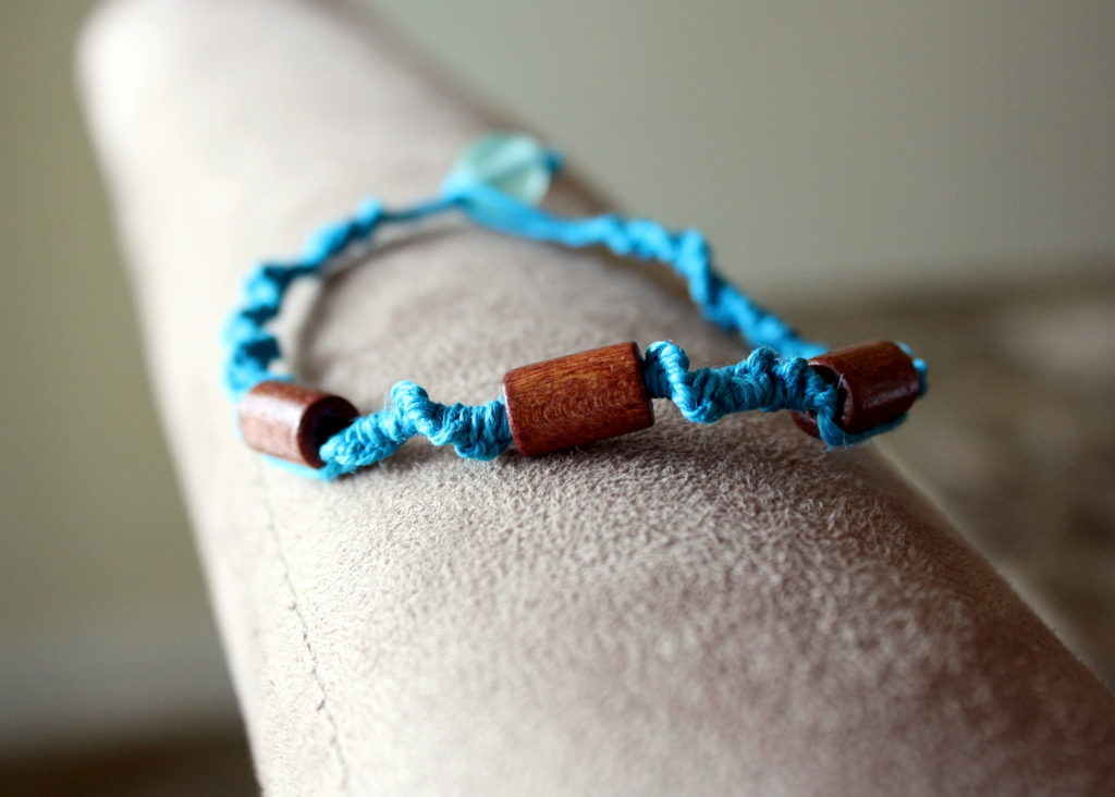 How To Make A Simple Hemp Necklace Diy Jewelry Makers